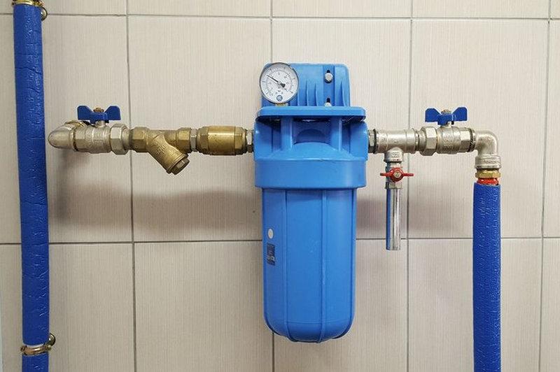 Установка фильтра для умягчения воды