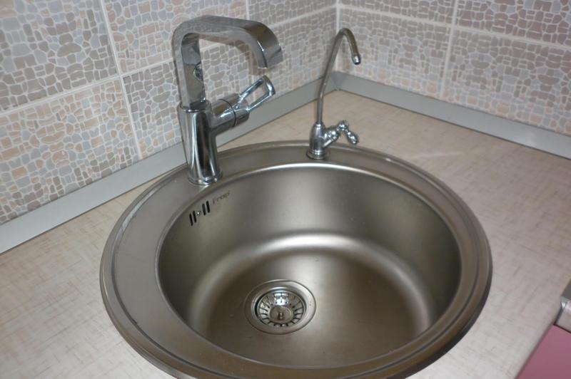 Установка крана для фильтра воды