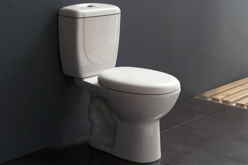 Установка унитаза в туалет