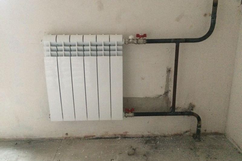 Замена радиатора отопления в квартире в Минске